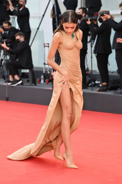 20 самых красивых выходов 78-го кинофестиваля в Венеции
