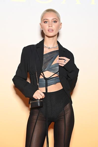 А это брюки или колготки? «Голый» образ Айрис Лоу на Bvlgari