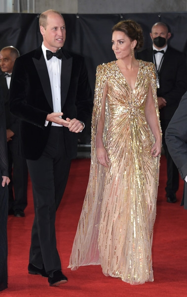 Девушка Бонда: Кейт Миддлтон в платье Jenny Packham на премьере в Лондоне