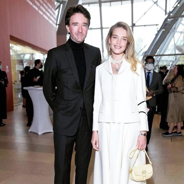Леди в Dior: прекрасная Наталья Водянова на открытии выставки русского искусства в Париже