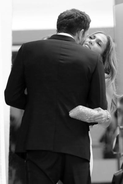 Любовь Дженнифер Лопес и Бена Аффлека в восьми фотографиях в Венеции