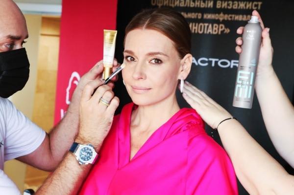 Любовь Толкалина: как повторить яркий образ актрисы с открытия Кинотавра