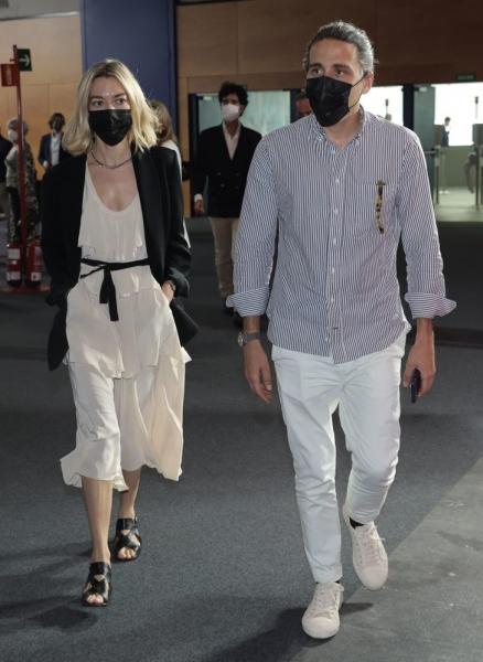Маленькое белое платье Zara, которое носит самая богатая женщина Испании