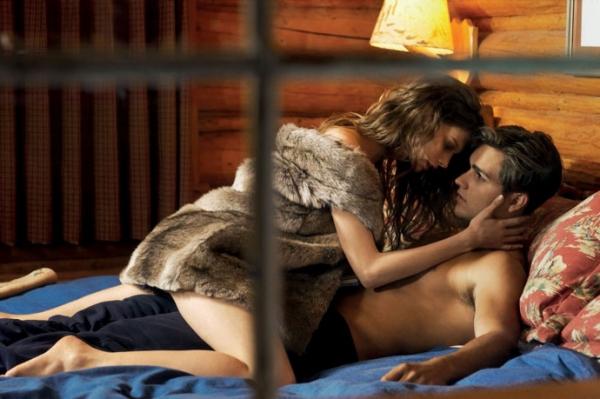 Мужчины советуют: как вскружить ему голову в постели