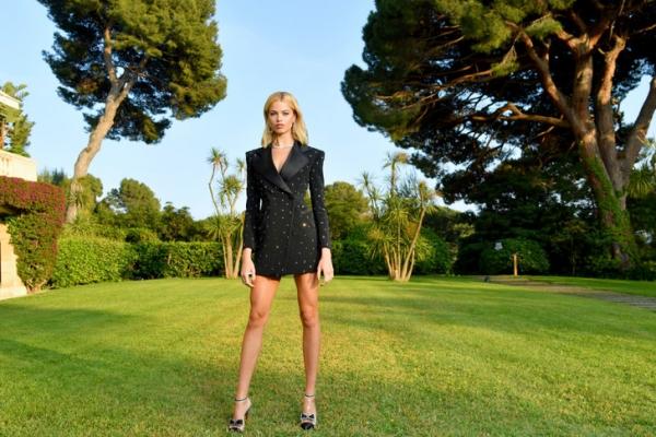 «Нужно научиться жить в удовольствие, полной жизнью»: интервью с супермоделью Хейли Клаусон, музой Жан-Поля Готье