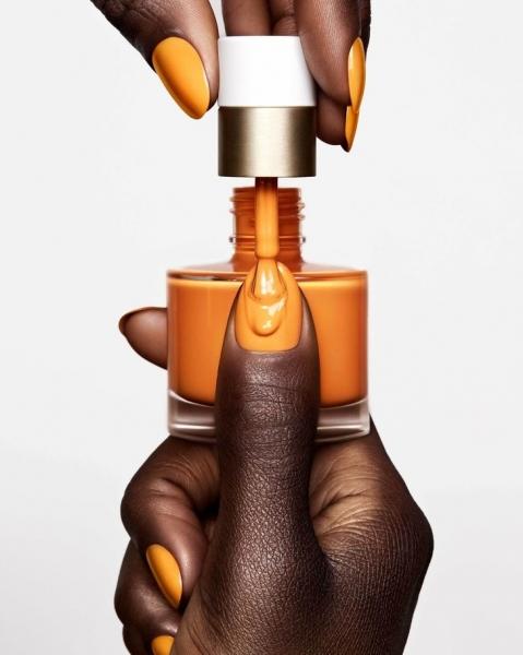 Оранжевый— хит сезона: Hermès выпустили первую коллекцию лаков для ногтей