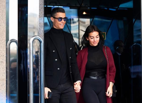 Парный выход: Криштиану Роналду и Джорджина Родригес в Мадриде