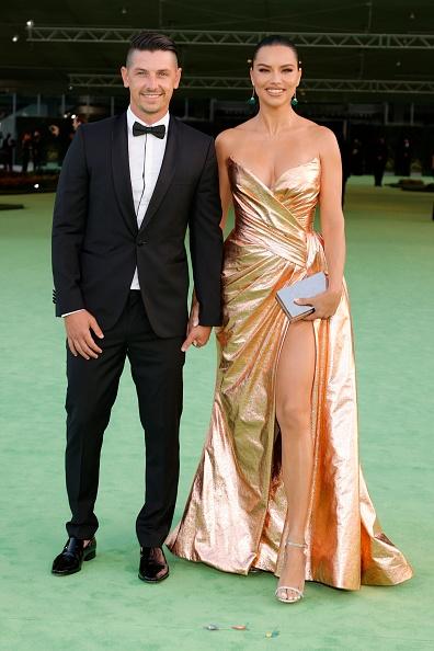 Платье из золотой фольги и новый возлюбленный: сенсация от Адрианы Лимы на вечере Музея киноакадемии