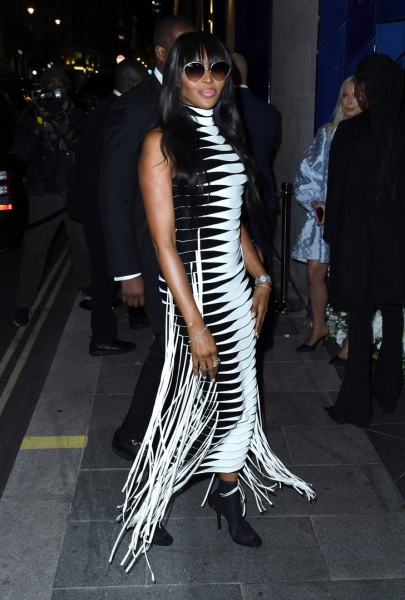 Платье с эффектом гипноза, или Как заставить всех смотреть только на тебя: Наоми Кэмпбелл знает это лучше всех
