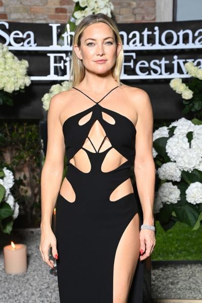 Тест Роршаха: что вы видите на платье Кейт Хадсон?