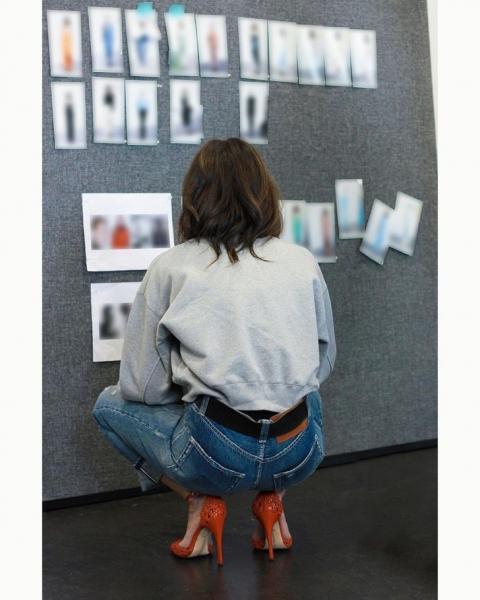 В осеннем сезоне вам точно нужны джинсы, как у Виктории Бекхэм
