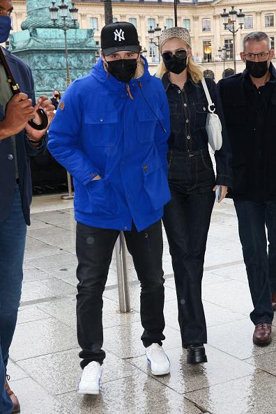 Джинсы + джинсовая рубашка: денима много не бывает— уверена Никола Пельтц Бекхэм