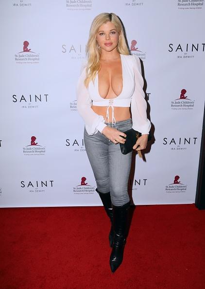 Феноменальная актриса-блондинка Донна Д'Эррико, которая выглядит на 25 лет в свои 50