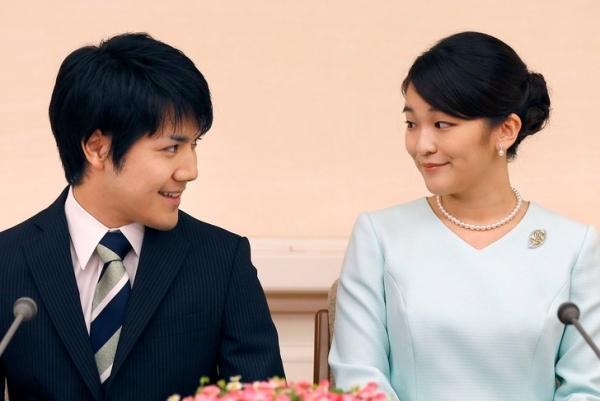 Японская принцесса все-таки откажется от титула и миллионного состояния ради любви и станет простолюдинкой