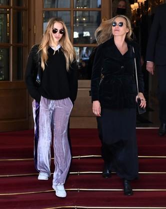 Как две капли: Кейт и Лила Грейс Мосс в Париже