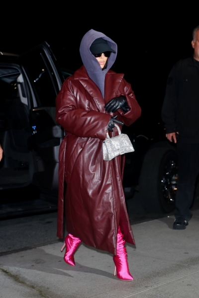 Кожаное дутое пальто— самый модный и практичный вариант для холодной зимы. Ким Кардашьян это подтверждает