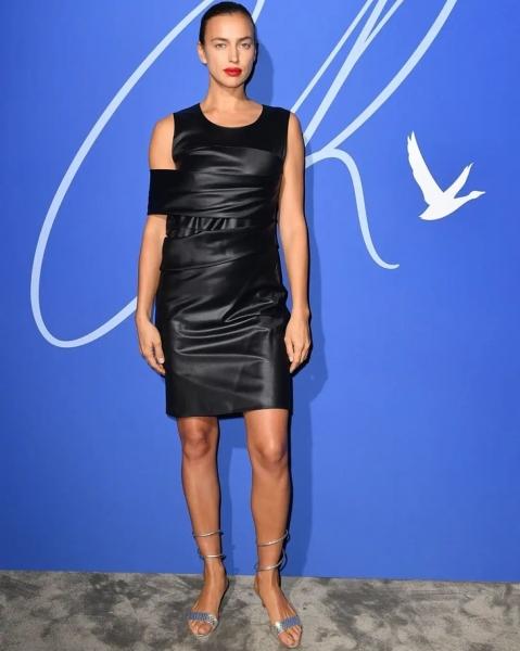 Маленькое черное платье, которое выручит в любой ситуации: вечерний образ Ирины Шейк