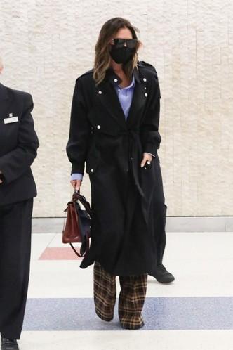 Модный прием Виктории Бекхэм, который визуально прибавляет рост