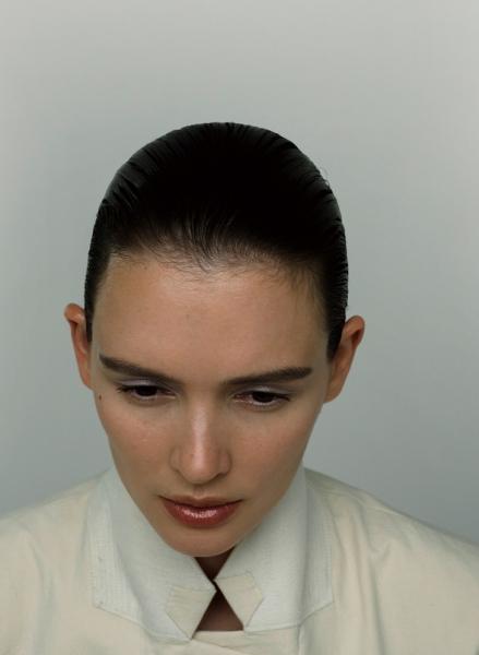 Паулина Андреева в бьюти-съемке для ELLE