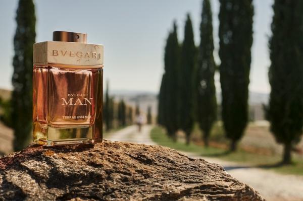 С запахом итальянских каникул: Bvlgari выпустили аромат, вдохновленный природой Тосканы