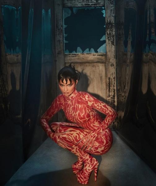 Страшно красиво: Кайли Дженнер выпустила коллекцию макияжа, вдохновленную фильмом «Кошмар на улице Вязов»